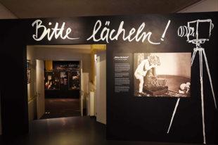 Nuernberg_Spielzeugmuseum_Bitte_laecheln_37_nb